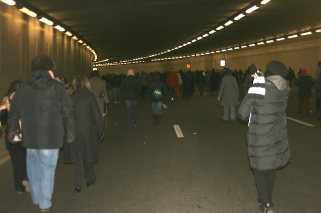 To manage the crowds they had us use the freeways as pedestrian pathways. Here we are walking through the 3rd St tunnel to get to the otherside of the mall.